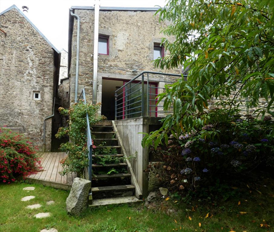 Rare et atypique maison de ville du XVème siècle