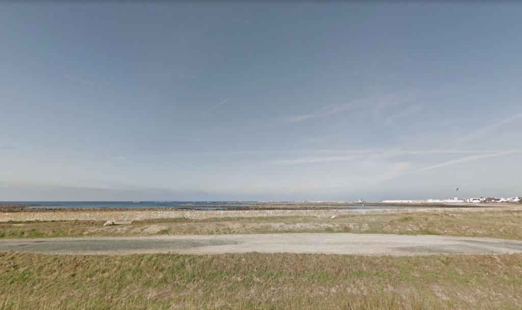 Penmarch, beau terrain vue mer